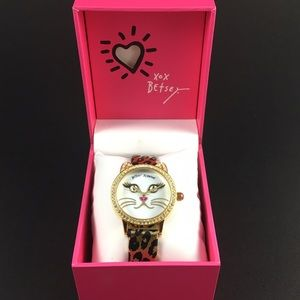 BETSEY JOHNSON 👄 Mother of Pearl Car Watch 👄